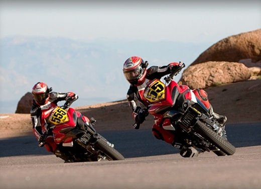 Ducati Multistrada 1200 si prepara alla Pikes Peak International Hill Climb 2011 - Foto 22 di 23
