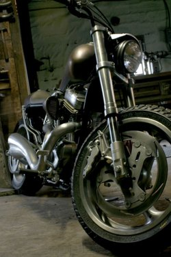 Harley Davidson XL883 Gun Baby by Cooper Smithing Company - Foto 7 di 17