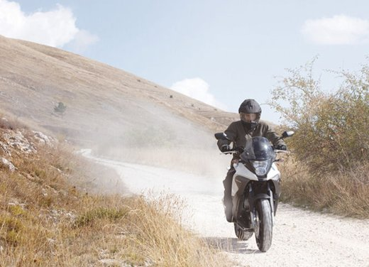Honda Crossrunner, finanziamenti senza interessi per l'adventure bike anti BMW GS - Foto 8 di 9
