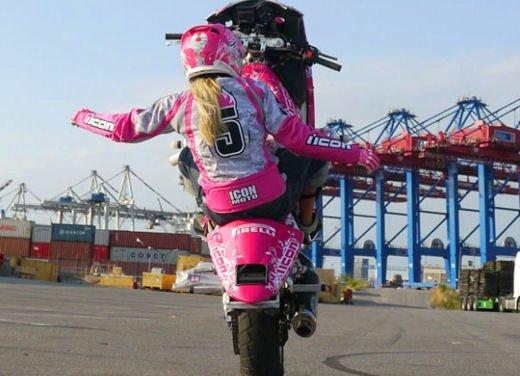 Le donne in moto più brave degli uomini - Foto 10 di 17