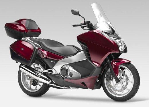 Honda Integra, compreso nel prezzo il bauletto per due caschi integrali - Foto 19 di 39