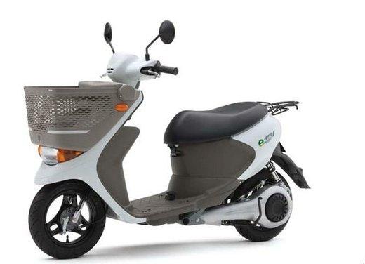 Suzuki e-Let's in commercio in Giappone