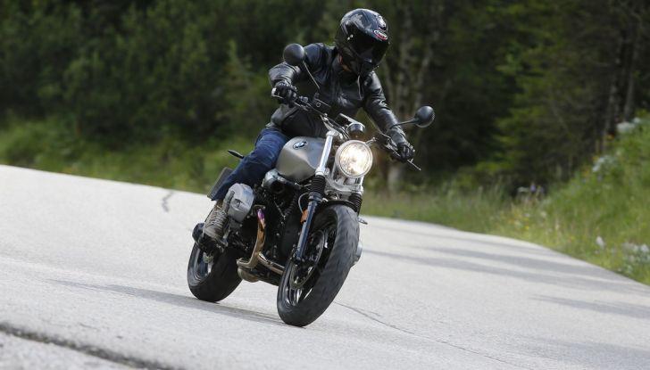 Prova della nuova BMW nineT Scrambler: due ruote selvaggia! - Foto 17 di 22
