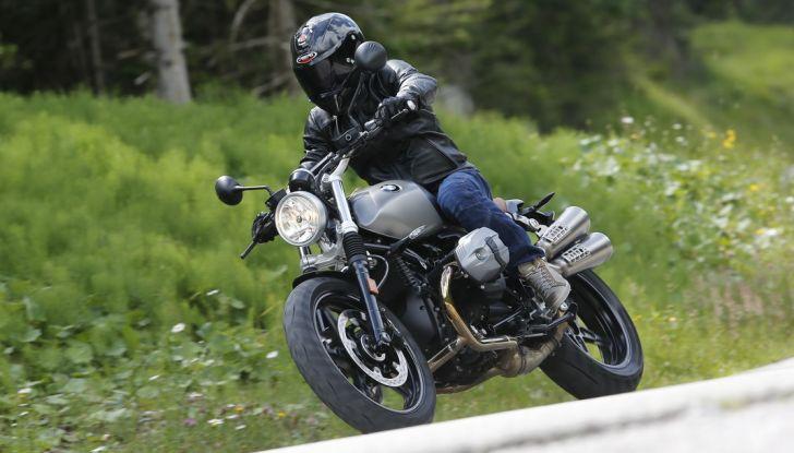 Prova della nuova BMW nineT Scrambler: due ruote selvaggia! - Foto 18 di 22