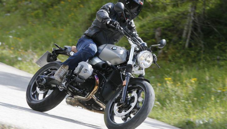 Prova della nuova BMW nineT Scrambler: due ruote selvaggia! - Foto 19 di 22