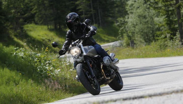 Prova della nuova BMW nineT Scrambler: due ruote selvaggia! - Foto 21 di 22