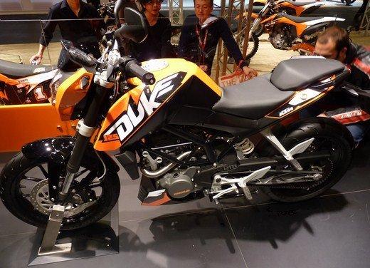 KTM Duke 125 e le evoluzioni dello stunt  Rok Bagoros - Foto 14 di 15