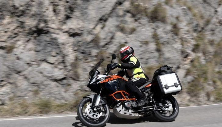 KTM 1050 Adventure: Prova su strada, prestazioni e prezzo - Foto 36 di 48