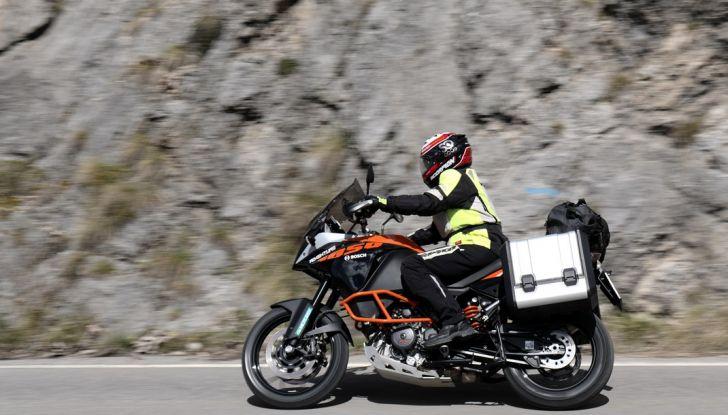 KTM 1050 Adventure: Prova su strada, prestazioni e prezzo - Foto 13 di 48