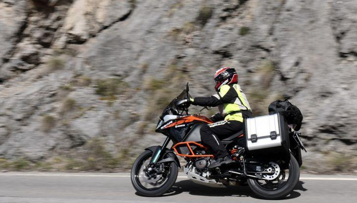 KTM 1050 Adventure: Prova su strada, prestazioni e prezzo - Foto 39 di 48