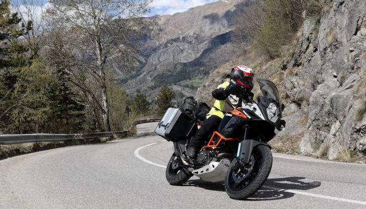 KTM 1050 Adventure: Prova su strada, prestazioni e prezzo - Foto 42 di 48