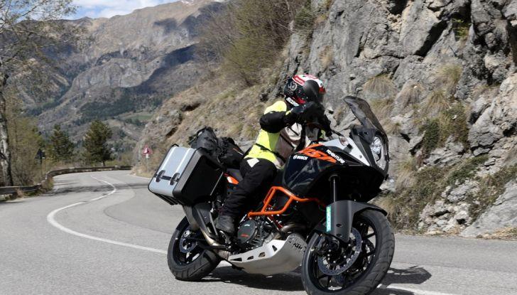 KTM 1050 Adventure: Prova su strada, prestazioni e prezzo - Foto 43 di 48