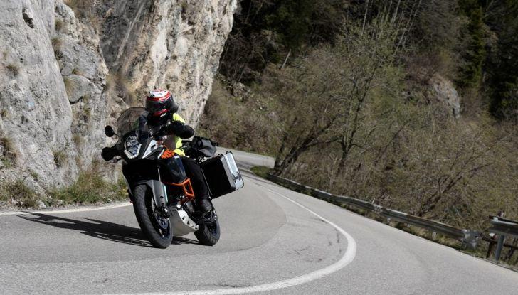KTM 1050 Adventure: Prova su strada, prestazioni e prezzo - Foto 44 di 48