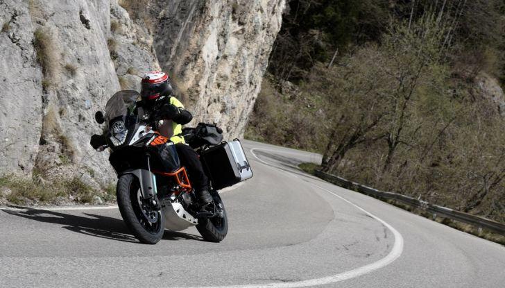KTM 1050 Adventure: Prova su strada, prestazioni e prezzo - Foto 10 di 48