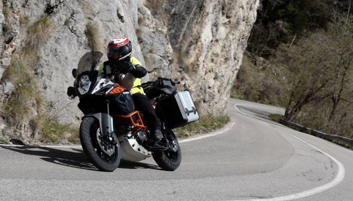 KTM 1050 Adventure: Prova su strada, prestazioni e prezzo - Foto 8 di 48
