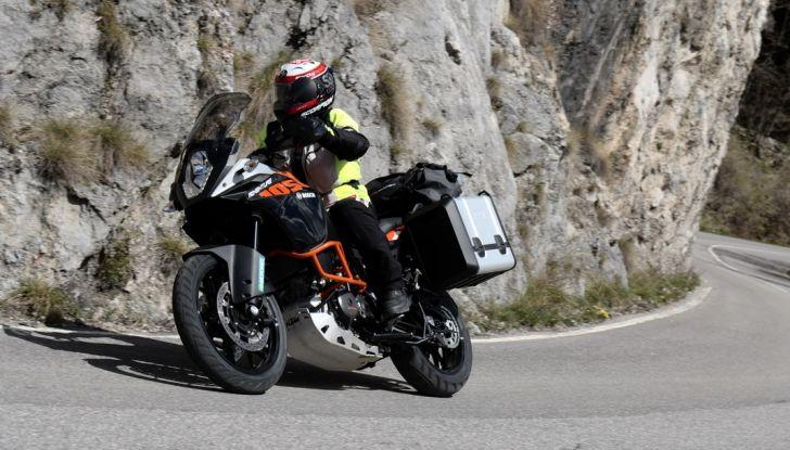 KTM 1050 Adventure: Prova su strada, prestazioni e prezzo - Foto 45 di 48