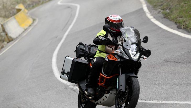 KTM 1050 Adventure: Prova su strada, prestazioni e prezzo - Foto 3 di 48