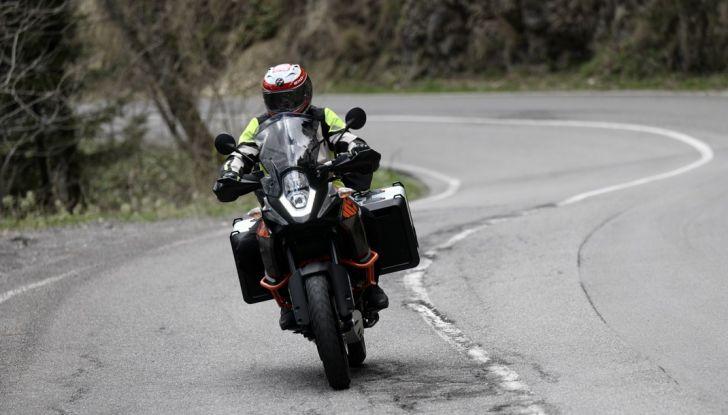 KTM 1050 Adventure: Prova su strada, prestazioni e prezzo - Foto 2 di 48