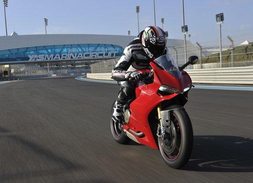 Ducati 1199 Panigale: il video del test ride a Yas Marina - Foto 4 di 11