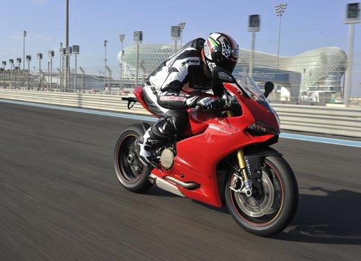 Ducati 1199 Panigale: il video del test ride a Yas Marina - Foto 5 di 11