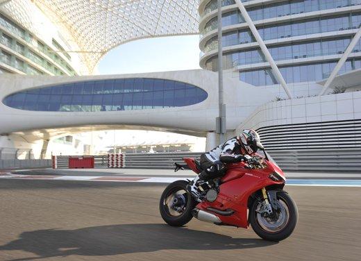 Ducati 1199 Panigale: il video del test ride a Yas Marina - Foto 7 di 11