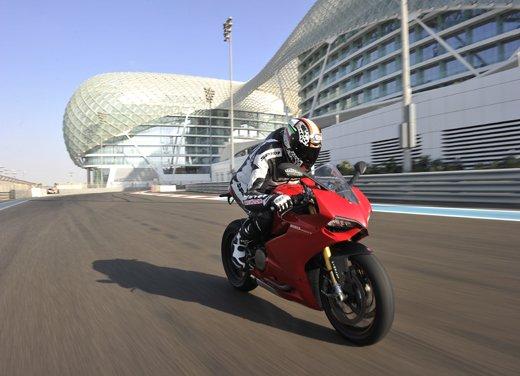 Ducati 1199 Panigale: il video del test ride a Yas Marina - Foto 8 di 11
