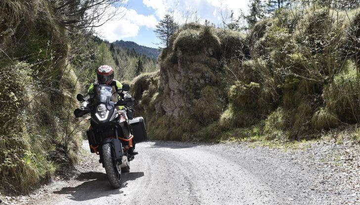 KTM 1050 Adventure: Prova su strada, prestazioni e prezzo - Foto 5 di 48