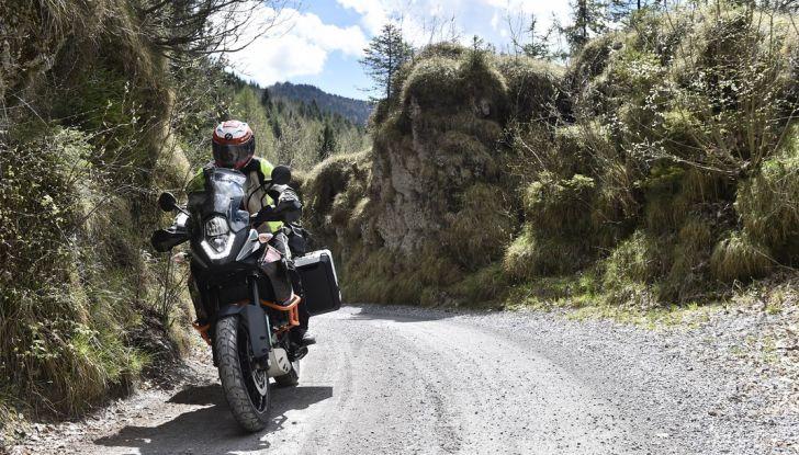 KTM 1050 Adventure: Prova su strada, prestazioni e prezzo - Foto 7 di 48