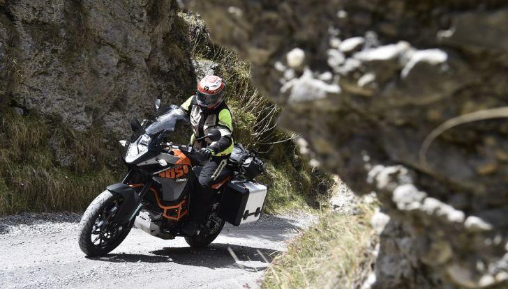 KTM 1050 Adventure: Prova su strada, prestazioni e prezzo - Foto 9 di 48