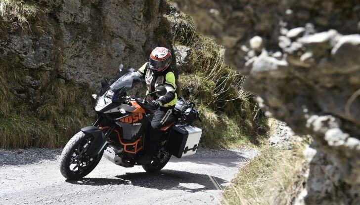 KTM 1050 Adventure: Prova su strada, prestazioni e prezzo - Foto 11 di 48