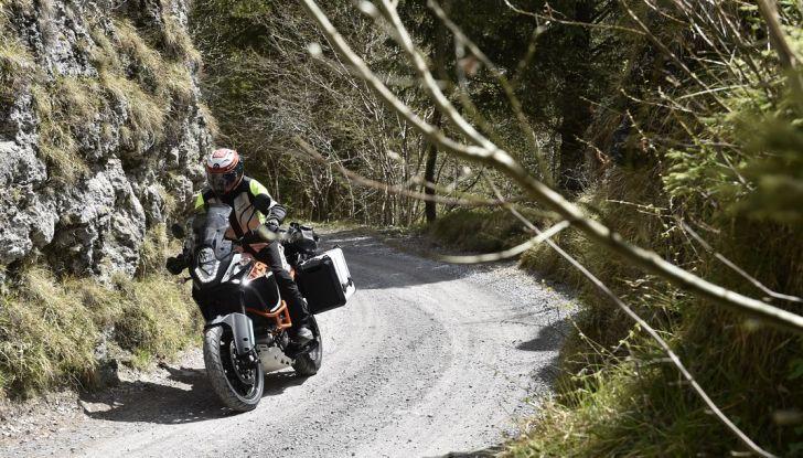 KTM 1050 Adventure: Prova su strada, prestazioni e prezzo - Foto 16 di 48