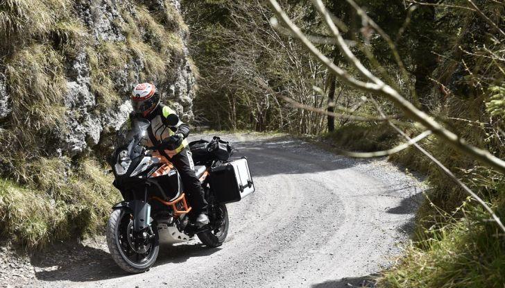 KTM 1050 Adventure: Prova su strada, prestazioni e prezzo - Foto 18 di 48