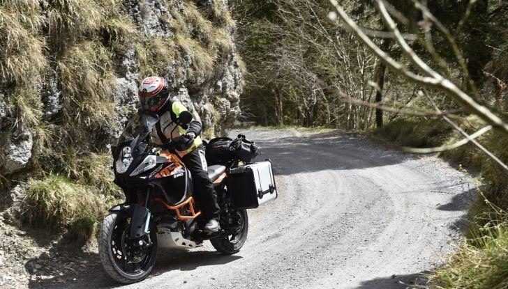 KTM 1050 Adventure: Prova su strada, prestazioni e prezzo - Foto 19 di 48