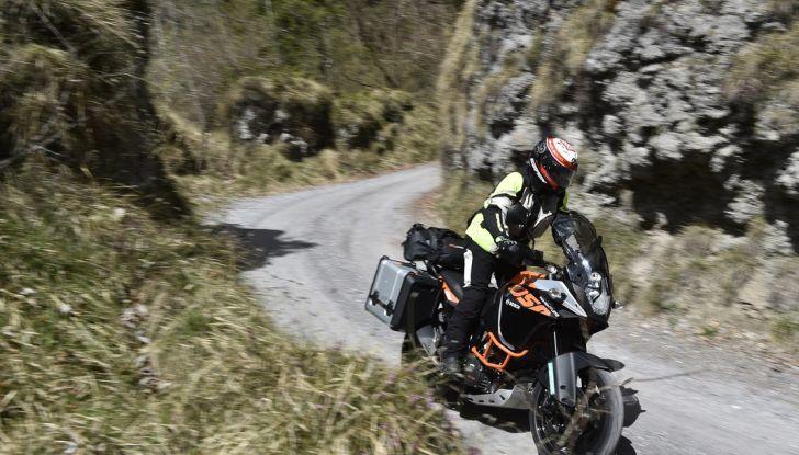 KTM 1050 Adventure: Prova su strada, prestazioni e prezzo - Foto 21 di 48