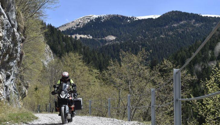 KTM 1050 Adventure: Prova su strada, prestazioni e prezzo - Foto 24 di 48
