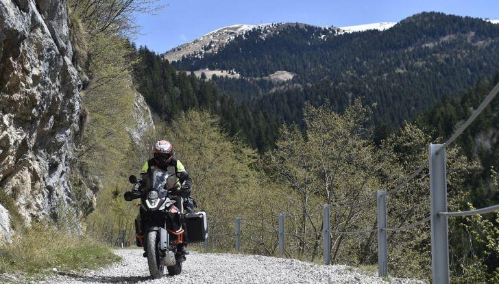 KTM 1050 Adventure: Prova su strada, prestazioni e prezzo - Foto 25 di 48