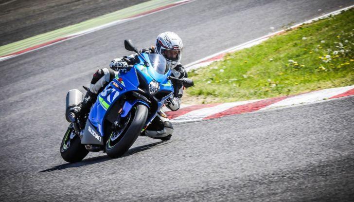Prova in pista Suzuki GSX-R 1000 2017: il Ritorno del Re - Foto 1 di 24
