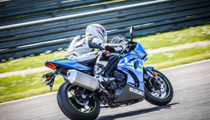 Prova in pista Suzuki GSX-R 1000 2017: il Ritorno del Re - Foto 16 di 24