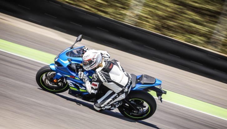 Prova in pista Suzuki GSX-R 1000 2017: il Ritorno del Re - Foto 11 di 24