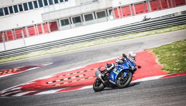 Prova in pista Suzuki GSX-R 1000 2017: il Ritorno del Re - Foto 5 di 24