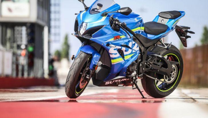 Prova in pista Suzuki GSX-R 1000 2017: il Ritorno del Re - Foto 14 di 24