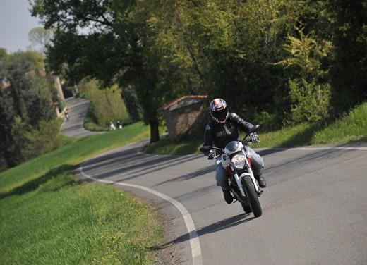 Ducati Monster 796: la via di mezzo che unisce l'utile al dilettevole - Foto 16 di 21