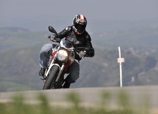 Ducati Monster 796: la via di mezzo che unisce l'utile al dilettevole - Foto 20 di 21