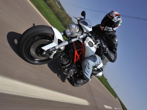 Ducati Monster 796: la via di mezzo che unisce l'utile al dilettevole - Foto 21 di 21