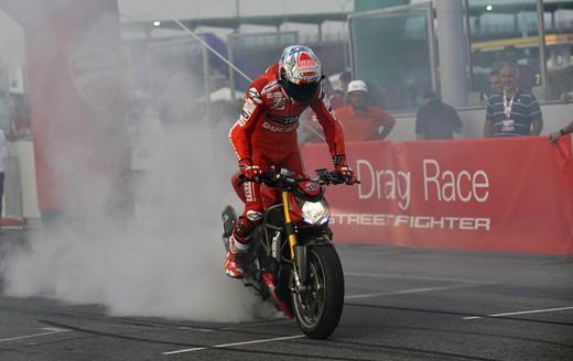 World Ducati Week 2012: Ducati Diavel Carbon in palio - Foto 13 di 14