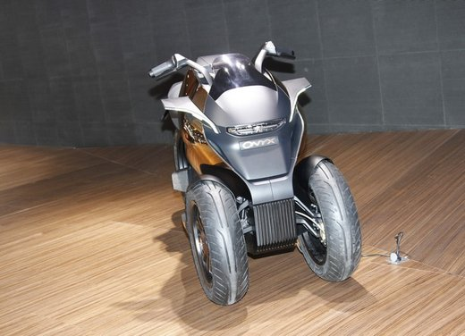 Peugeot supertrike Onyx Concept Scooter - Foto 10 di 21
