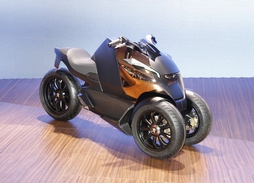 Peugeot supertrike Onyx Concept Scooter - Foto 9 di 21