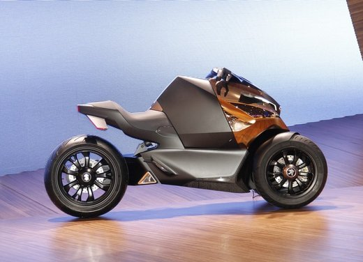 Peugeot supertrike Onyx Concept Scooter - Foto 8 di 21