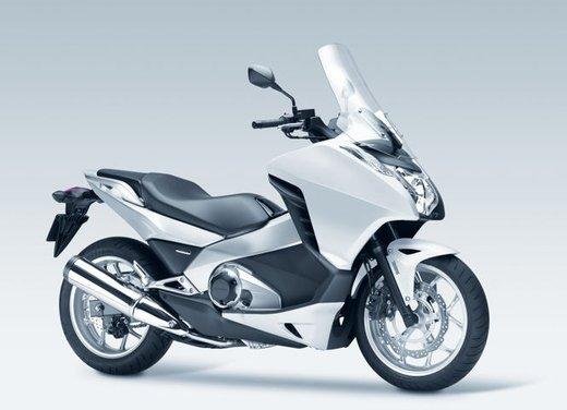 Honda Integra, compreso nel prezzo il bauletto per due caschi integrali - Foto 13 di 39