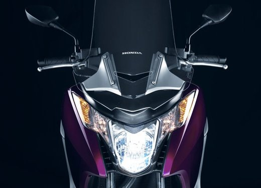 Honda Integra, compreso nel prezzo il bauletto per due caschi integrali - Foto 30 di 39